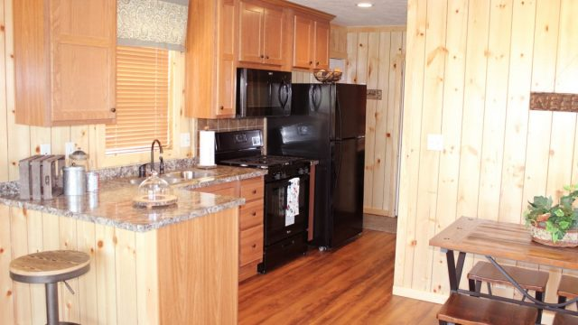 Cabin-kitchen-dining